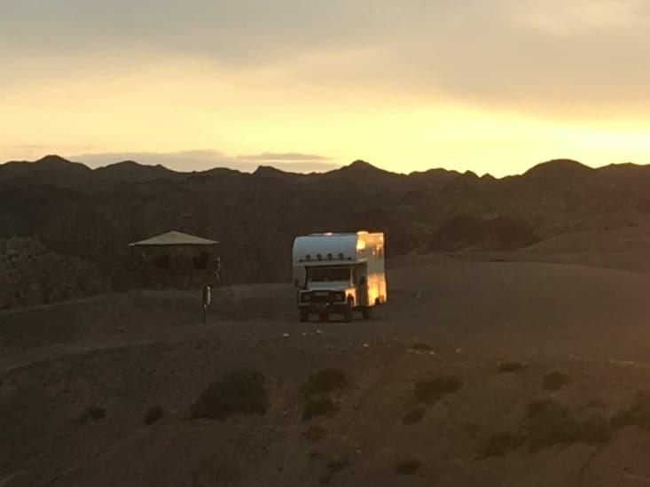 Bivouac dans le canyon Cheryn 100 kms après la frontiere