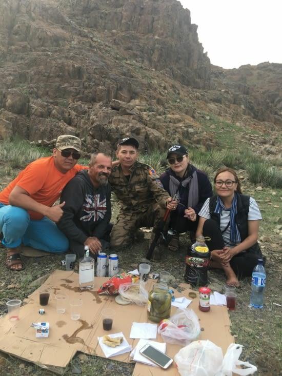 Rencontre avec des Kazaks de Mongolie un peu éméchés !