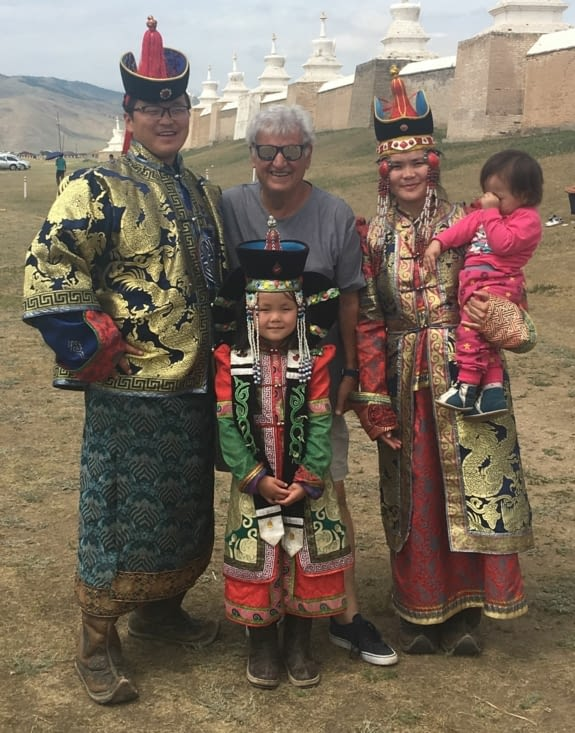 Les tenues traditionnelles de Mongolie ...
