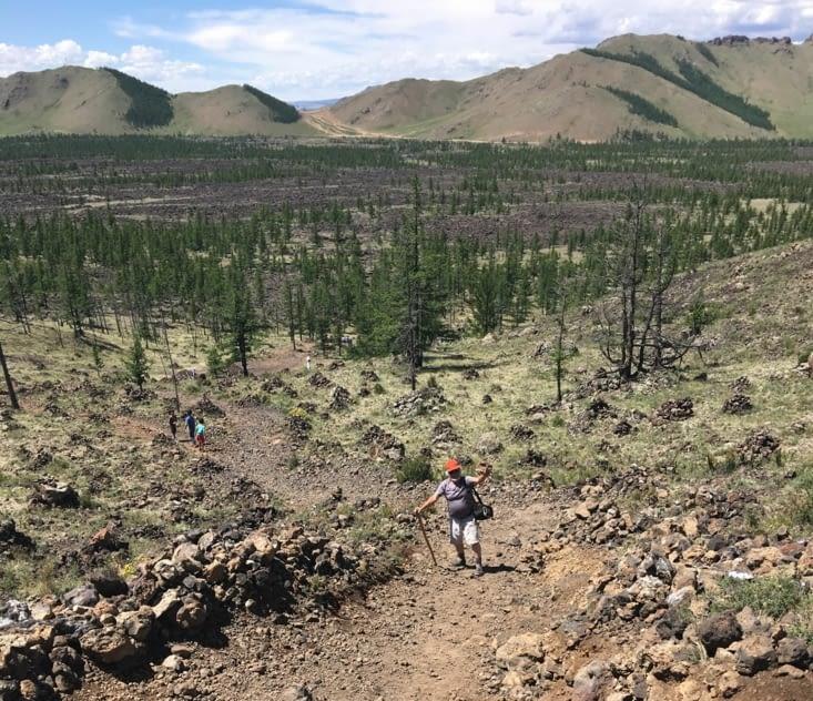 Randonnée vers le volcan prêt du lac Terkhiin Tsagaan