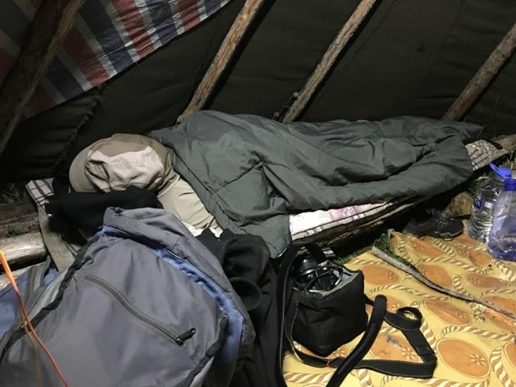 J.C nous a laissé tombé... épuisé par le voyage !