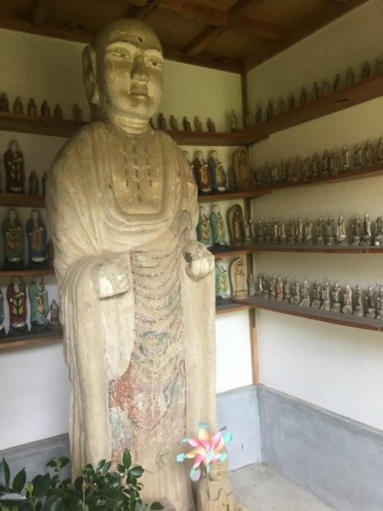 Des statues et leurs figurines ...