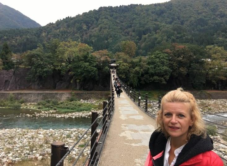 Direction le village «médiéval des Japonais»  de Shirakawa go
