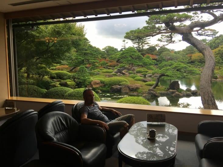 Un effet «Tableau» devant un thé vert Japonais
