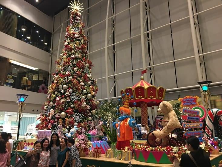 Noel dans un pays Asiatique mais Catholique. Ici c'est partout que cela se voit !