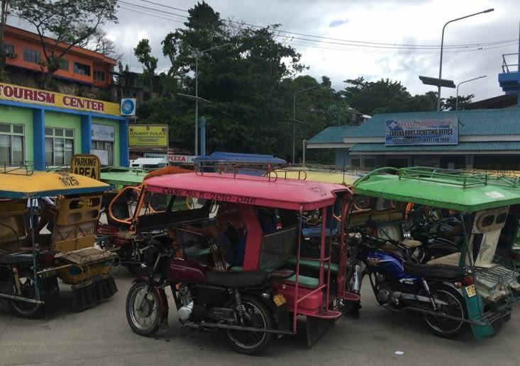Terminus tout le monde descend... ferry vers l'ile de Bohol a Panglao pour 3 jours