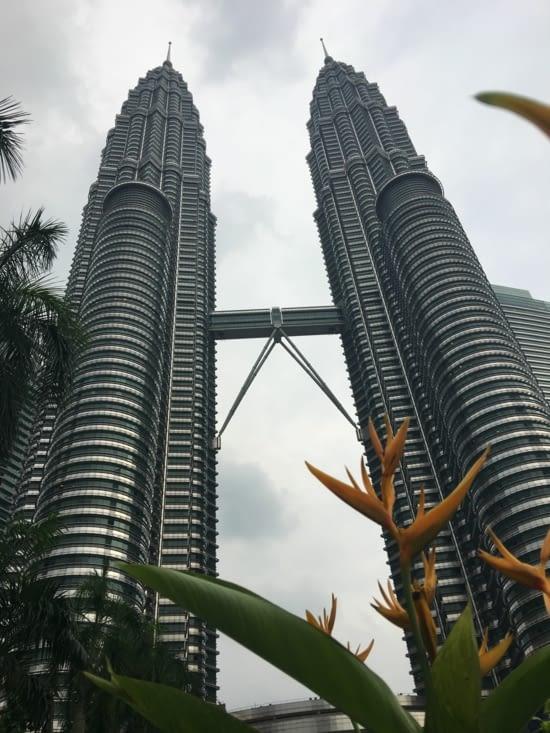 Les Petronas Tower : les plus hautes tours jumelle du monde (571m) et ils en sont fiers !