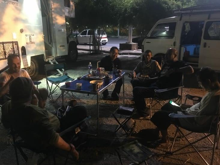 """Rencontre avec la communauté des """"Land Rover Defender"""" du Nord de la Malaisie"""