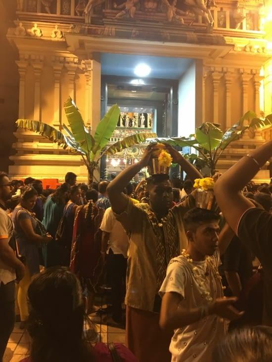 Nous voilà retourné au temple Sri Mahamariamman