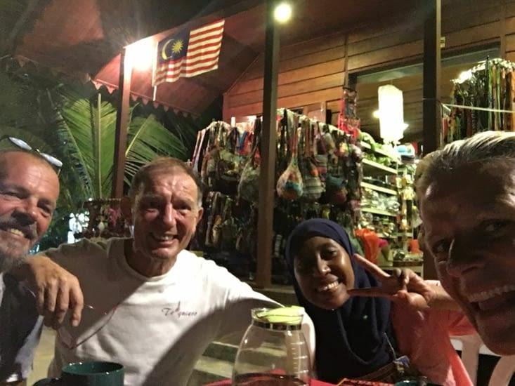 """Un couple atypique ... une de nos belles rencontres de Malaisie (voir """"rencontres"""")"""