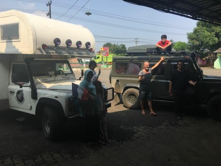 Rencontre avec un membre du club Land Rover de Jakarta (pleins de bons conseils)