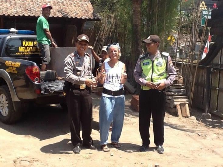 Les relations avec la police sont très compliquées ici !!!!
