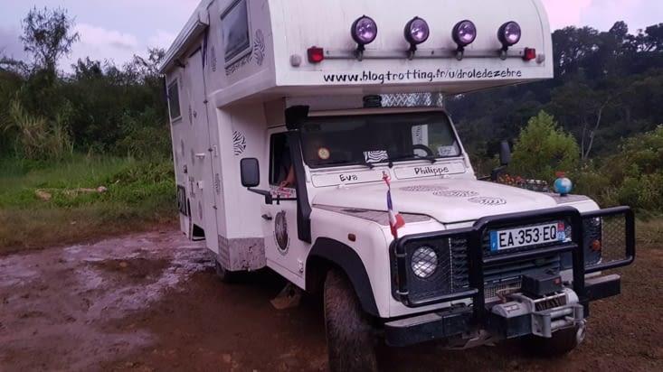 La boue comme décor ... les férues de Off road se reconnaîtrons !