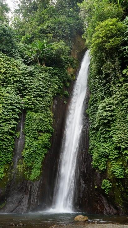 Les cascades de Munduk