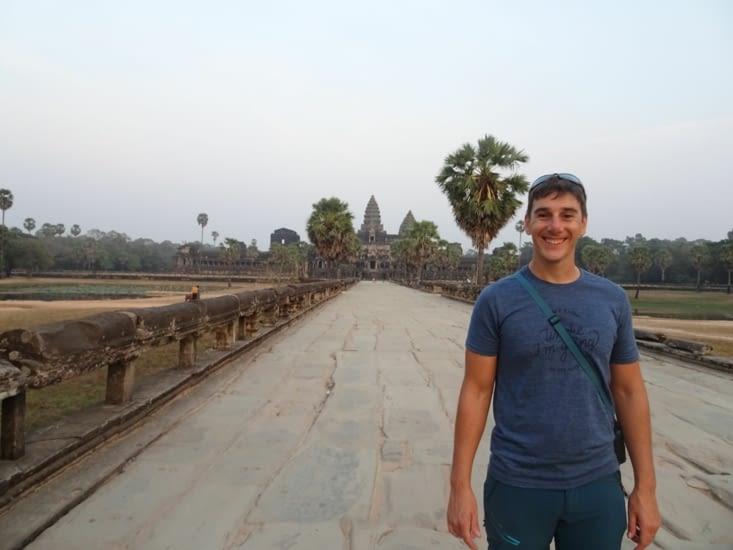 Lauris, avec le temple d'Angkor Wat
