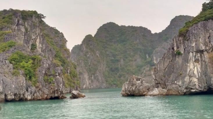 Nous voilà partis pour visiter la baie d'Halong 😁