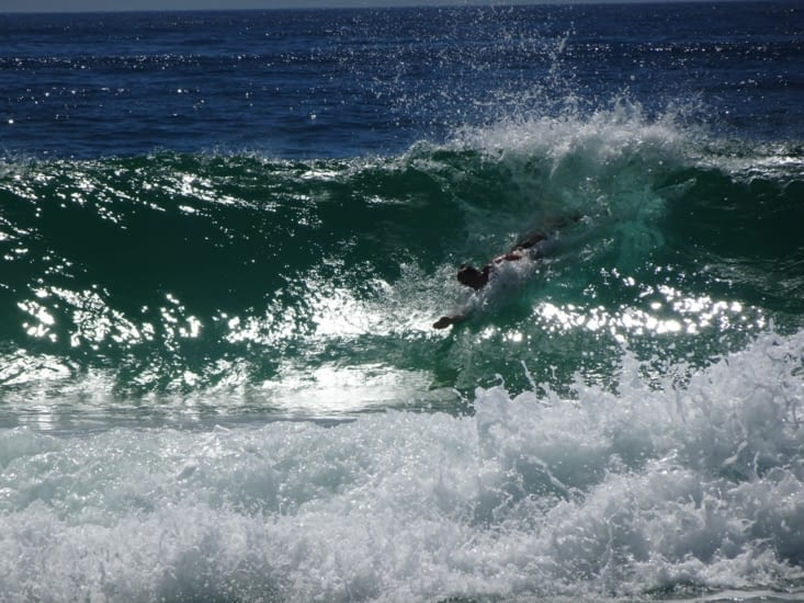 Lauris dans les vagues