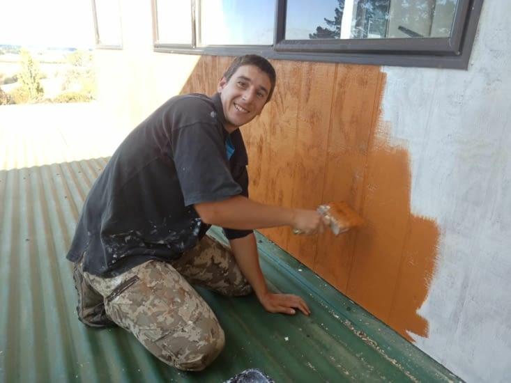 Dernière tache chez Kimberley et James, peindre l'extérieur de la maison