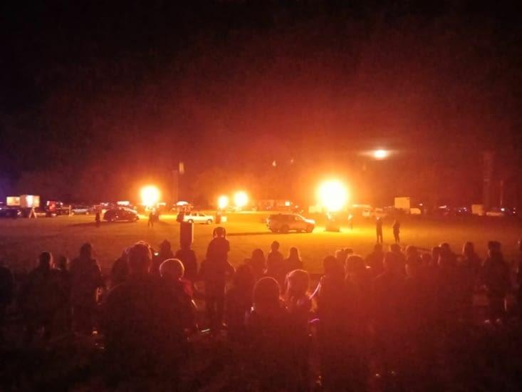 Le spectacle de montgolfières de nuit sans les ballons