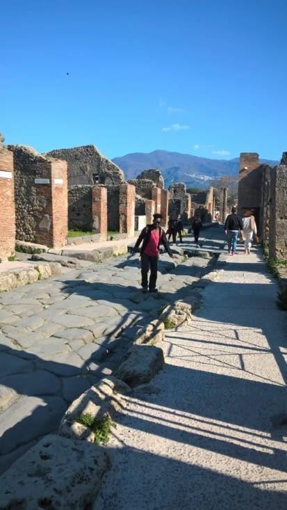 Une ville quadrillée à la romaine, avec une structure très réfléchie, nous nous incrustons