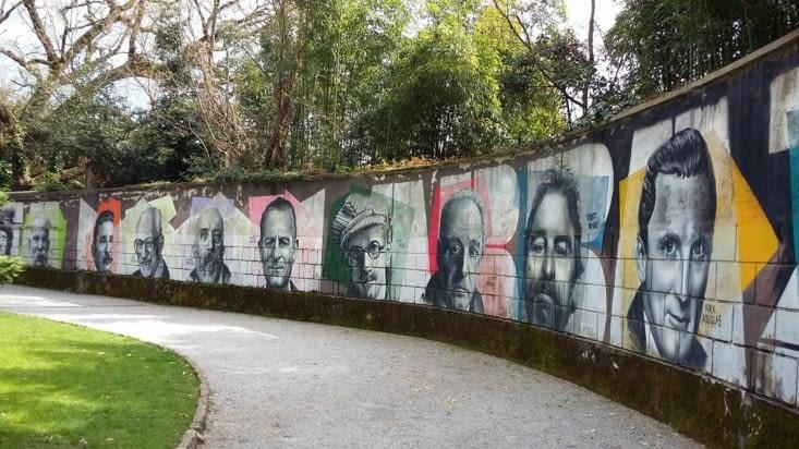 A Opatija, une farandole d'artistes hongrois, croates, autrichiens règnent sur le parc..