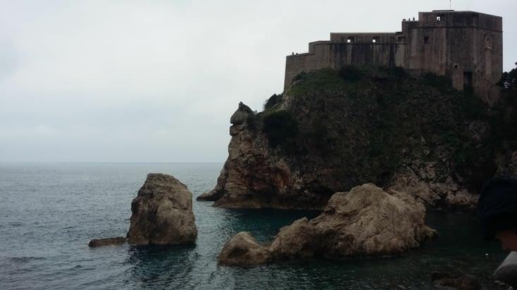 Avant de quitter les fortifications de Dubrovnik, nous faisons une belle rencontre d'une
