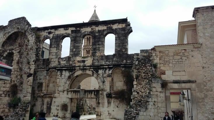 Découverte des ruines datant de l'antiquité, à Split, ville où grouillent les Français !