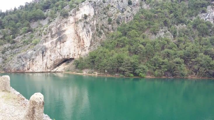 Après Rijeka, petite rando à l'aller et le retour  en bateau sur un lac majestueux