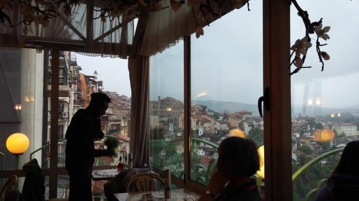 Cap au Nord vers Veliko Tarnovo ( tjs grâce à Christo).Ancienne capitale historique du 2nd