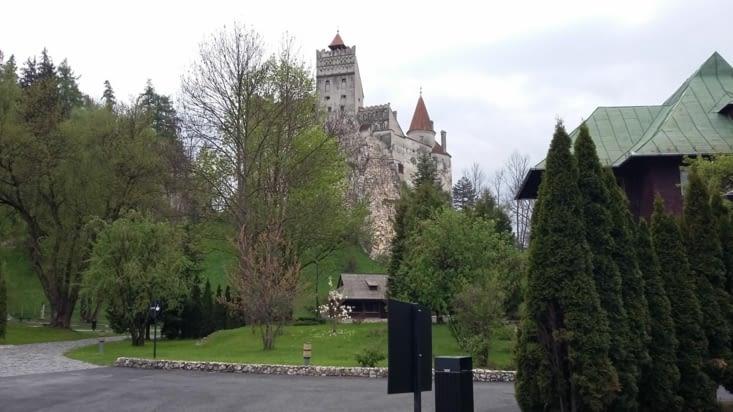 Avant de quitter le Roumanie, détour par Bran, château du légendaire Dracula ? ...