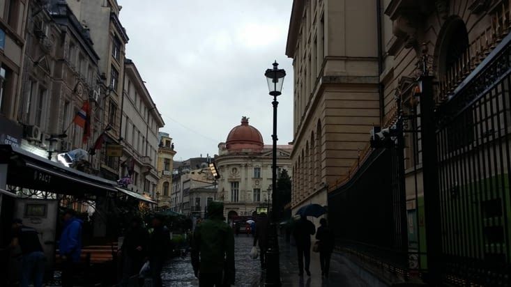 C'est sous la pluie que nous arrivons dans la magnifique capitale Bucarest