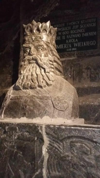Soutenu par l'empereur polonais de l'époque, ici sculpté en sel aussi.