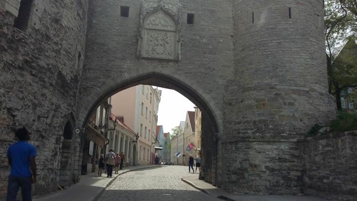 Une ancienne ville médiévale qui portait le nom de Réval.
