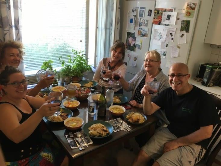 Omid nous a concocté un plat kurde délicieux! Nous bavardons et faisons la visite de leur