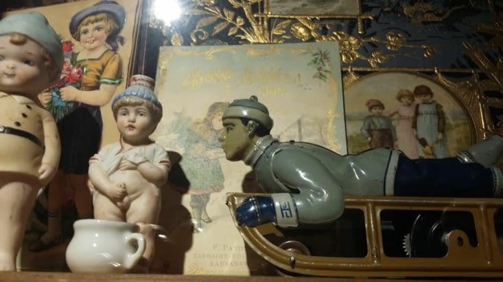 Toutes sortes de jouets donc datant de plus d'un siècle pour certains.
