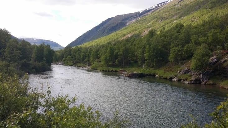 Allez on repart, on a de la route jusqu'au Fjord Geiranger