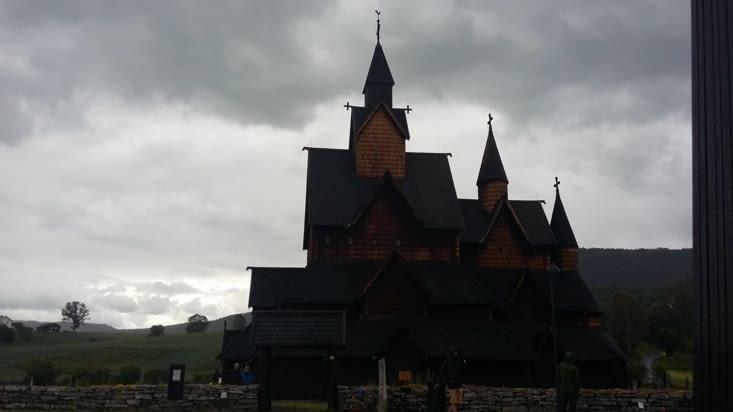 Heddal, église en bois du XXII ème siècle, la légende de Gunnar et Sigud ( Cf Tolkien)