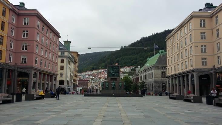 Place centrale de Bergen