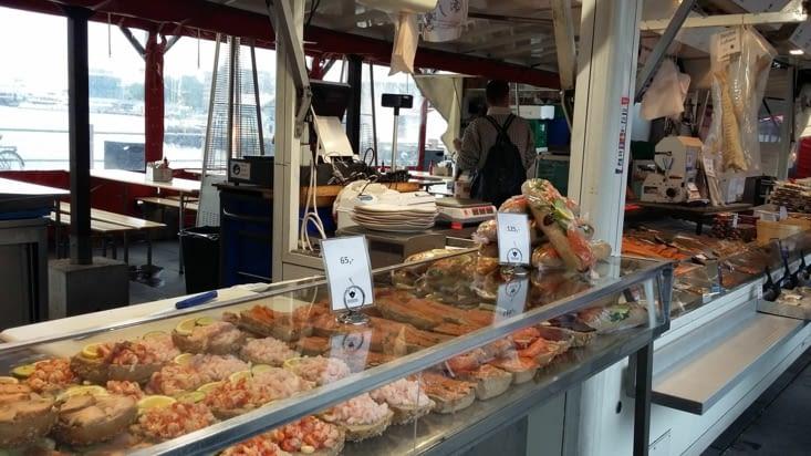 Toutes sortes de poissons, mais bien impuissants face à la vente de saucisson à la chair
