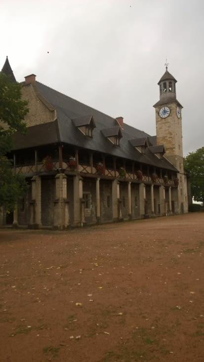 Le château des Bourbons ( ah ces rois de France, ils sont partout)