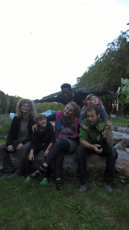 Avec Delphine et Yannic, et leurs millle projets pour vivre en harmonie avec la Nature
