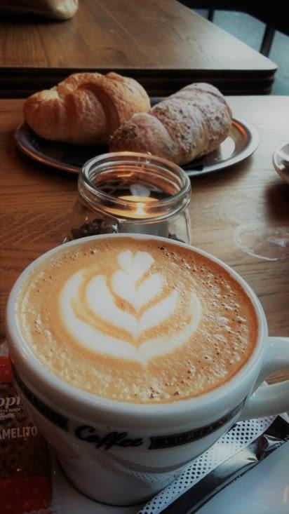 Après un réveil en fanfare, le café est mérité et tellement apprécié....