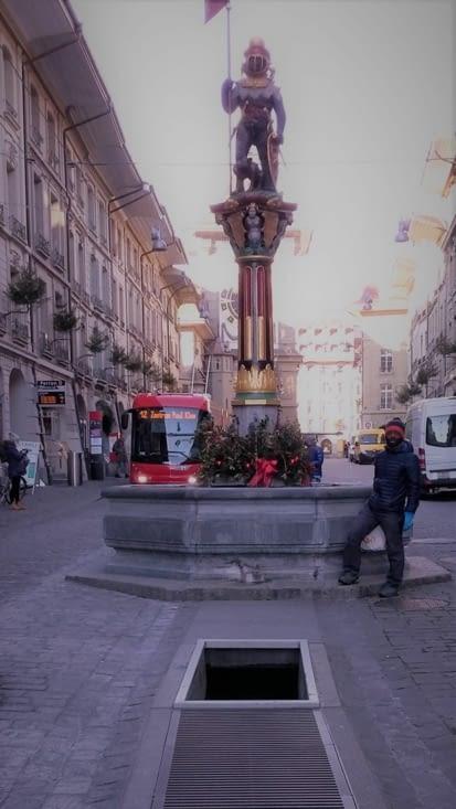 belles sculptures ornant les allées de la vieille ville de Bern