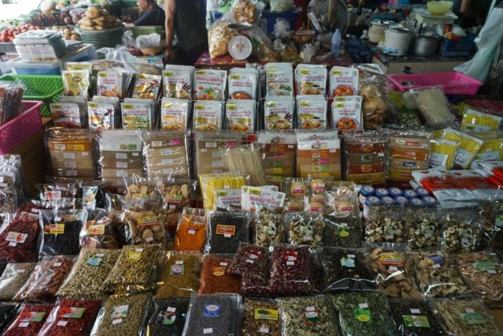 Épices et fruits séchés