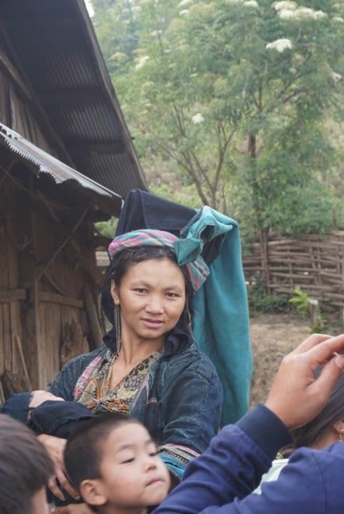 Jeune mariée : coiffe sans ornements