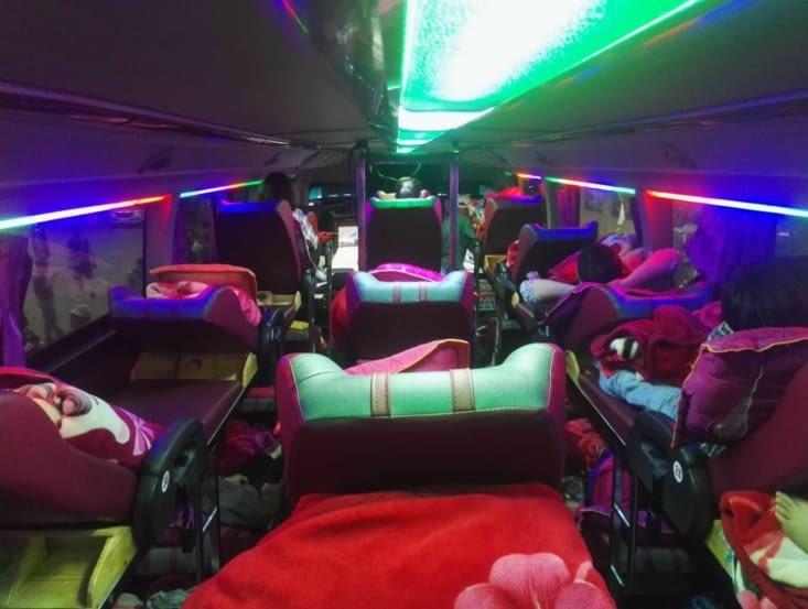 Bus de nuit! On a très bien dormi!