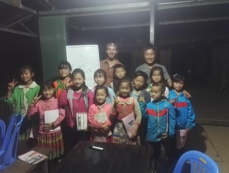 Pè, Léo et les enfants