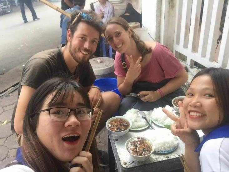 Déjeuné Bun Cha avec nos guides