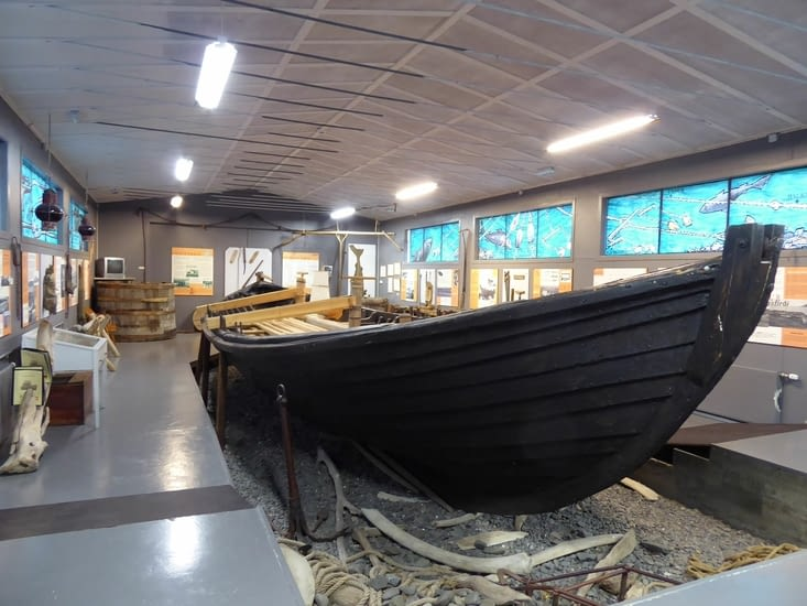 Grand bateau pour la pêche au requin