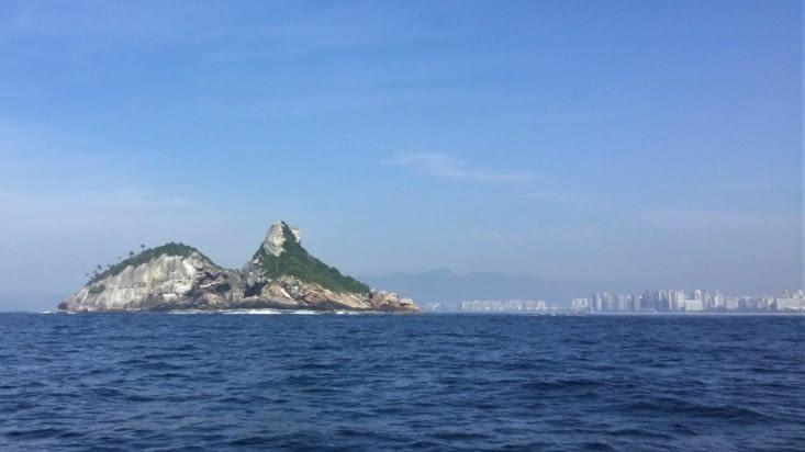 Sur la route, on retrouve la dichotomie classique des côtes brésiliennes :
